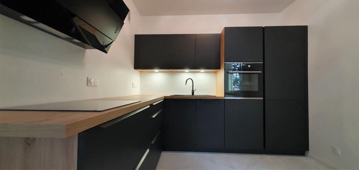 Rénovation d'une salle de bains, cuisine et Wc sur ANNECY LE VIEUX