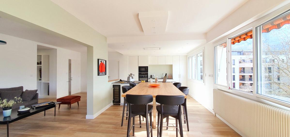 Avant /Après Rénovation d'un appartement de 150m2 Annecy le vieux rue des Foulques